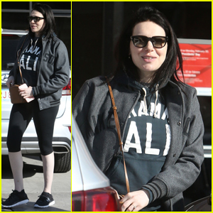 Laura Prepon Emerges For First Time Since Pregnancy News