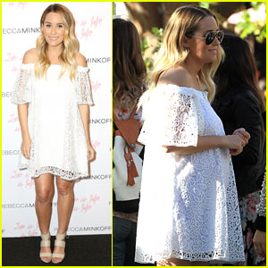 Lauren Conrad Shows Off Her Growing Baby Bump at Fashion Event