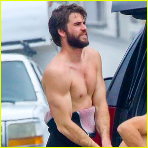 Liam Hemsworth Shows Off His Muscles While Going Shirtless After Surfing