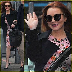 Lindsay Lohan Says She Was 'Racially Profiled' While Wearing Headscarf