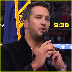 Luke Bryan Sings National Anthem at Super Bowl 2017 (Video)