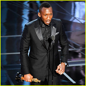 Mahershala Ali Wins Best Supporting Actor at Oscars 2017 - Watch His Speech (Video)