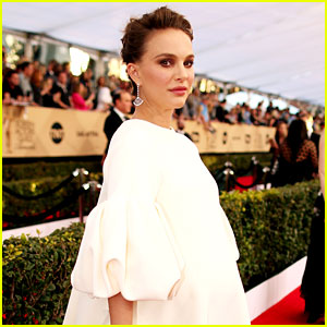 Natalie Portman Will Not Attend Oscars 2017 Due to Pregnancy