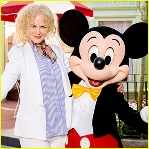 Nicole Kidman Gets in a Disney Vacation Before Oscars 2017 Weekend!