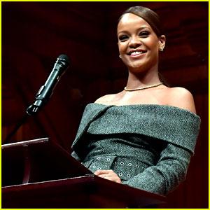 Rihanna Gives Touching Speech at Harvard to Accept Humanitarian of the Year Award (Video)