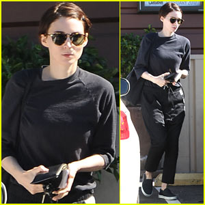 Rooney Mara Spends the Afternoon Running Errands