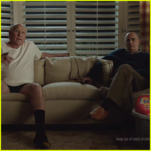 Tide Super Bowl Commercial 2017: Jeffrey Tambor Saves Terry Bradshaw From a Stained Shirt