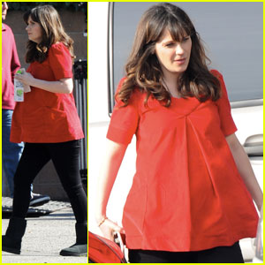 Zooey Deschanel Shows Off Baby Bump on 'New Girl' Set