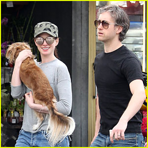 Anne Hathaway & Husband Adam Schulman Take Parenting Break For Grocery Store Run