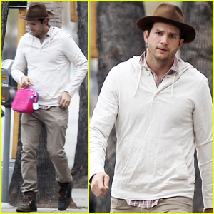 Ashton Kutcher Shows His 'W' For Worldwide Water Access