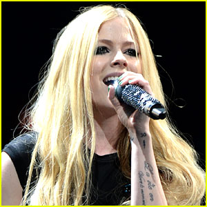 Avril Lavigne's New Album Coming 'Soon,' Sometime in 2017!