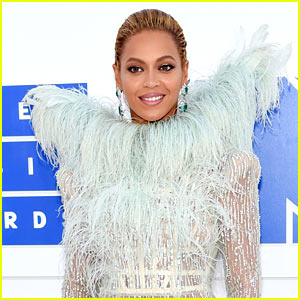 Beyonce Makes Surprise FaceTime Call to Fan Sick with Cancer
