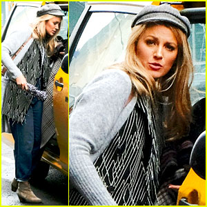 Blake Lively Hails a Cab After Her Monday Photo Shoot