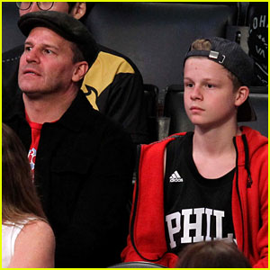 David Boreanaz & Son Jaden Root for 76ers in Los Angeles!