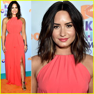 Demi Lovato Was Slimed at the KCAs 2017!