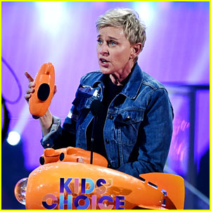 Ellen DeGeneres Wins Three Awards at KCAs 2017, Has Crowd Recite Oath to Be in Her Squad