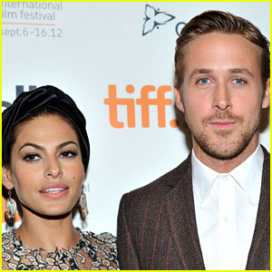 Eva Mendes & Ryan Gosling Met Wildlife with Their 2 Daughters at Jungle Island!
