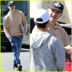 Hayden Christensen Chats With a Fan While Out With Friends