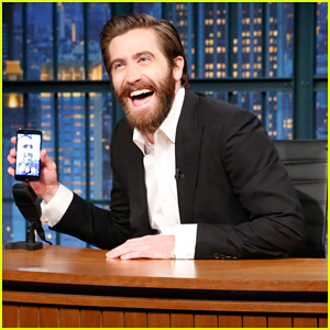 Jake Gyllenhaal & Ryan Reynolds Adorably FaceTime On 'Late Night' - Watch Here!