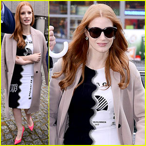 Jessica Chastain Will Strike on International Women's Day & March in Poland