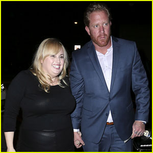 Rebel Wilson Holds Hands with Mystery Guy for Dinner Date!