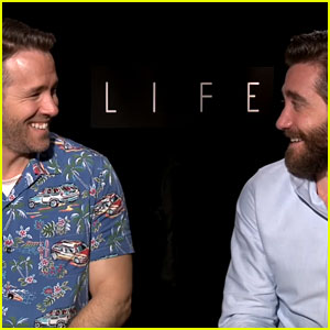 Ryan Reynolds & Jake Gyllenhaal Can't Contain Their Laughter in Hilarious Interview