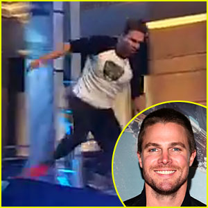 Stephen Amell Completes 'American Ninja Warrior' Course! (Video)