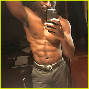 Sterling K. Brown's Shirtless Physique Is So Hot!