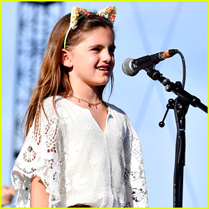 Alessandra Ambrosio's Daughter Anja Performs at Coachella!