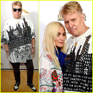 Ashlee Simpson's Dad Shows Off His Coachella Style
