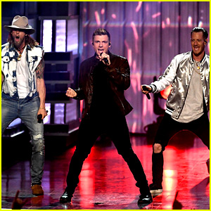 Backstreet Boys Close Out the ACMs 2017 with 'Everybody' - Watch Now!