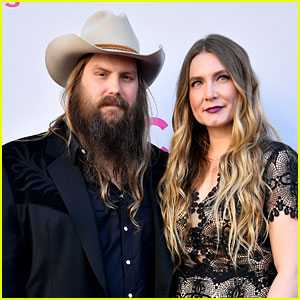 Chris Stapleton Brings Wife Morgane to ACM Awards 2017