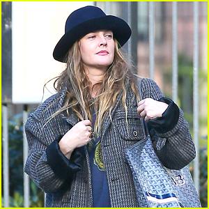 Drew Barrymore Enjoys a Stroll Around NYC