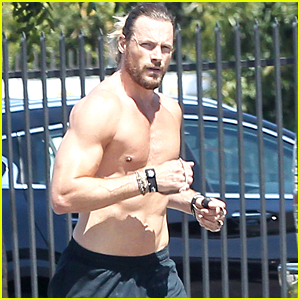 Gabriel Aubry Shows Off His Hot Body on a Run!