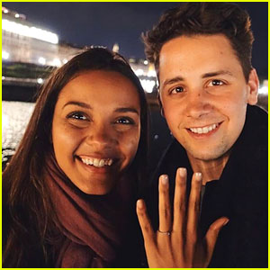 'Gotham' Star Jessica Lucas is Engaged to Alex Jermasek - See Her Ring!