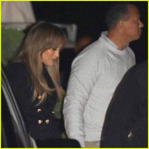 Jennifer Lopez & Alex Rodriguez Cozy Up For Yankees Game