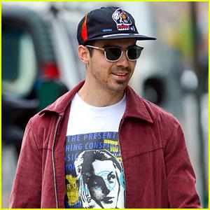 Joe Jonas Has Some Mischievous Fun on Flight to Atlanta
