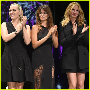 Julia Roberts, Penelope Cruz, & Kate Winslet Sing 'I Say a Little Prayer' (Video)
