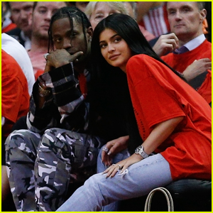 Kylie Jenner & Travis Scott Couple Up Courtside