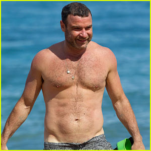 Liev Schreiber Bares Hot Body in Low-Riding Shorts in Hawaii!