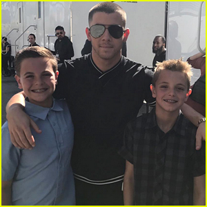 Nick Jonas Poses with Britney Spears' Sons at Radio Disney Music Awards!