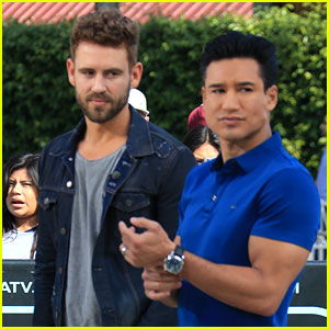 DWTS' Nick Viall Meets Up with Mario Lopez for 'Extra' Interview