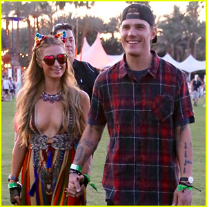 Paris Hilton & Chris Zylka Couple Up in the Desert for Coachella