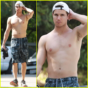 Robbie Amell Goes Shirtless For Afternoon Hike