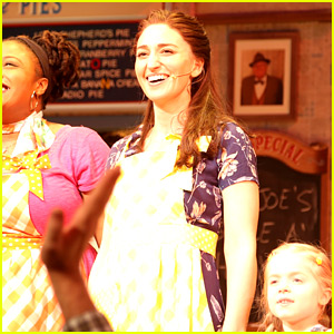 Sara Bareilles Makes Her Broadway Debut in 'Waitress' (Photos)