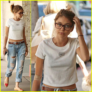 Sarah Hyland Steps Out After 'Modern Family' Proposal Episode Airs