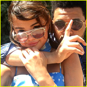 Selena Gomez & The Weeknd Cuddle Up at Coachella in Cute Selfie