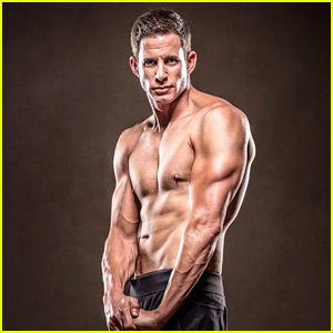 Flip or Flop's Tarek El Moussa Is Ripped in New Shirtless Pics!