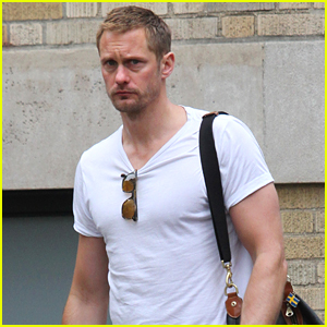 Alexander Skarsgard Shows Off His Buff Biceps in NYC