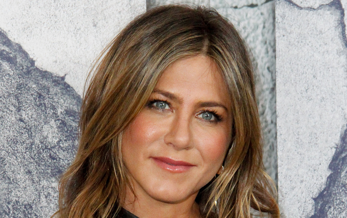 Jennifer Aniston Reveals What Would Happen if 'Friends' Was Around ... Jennifer Aniston